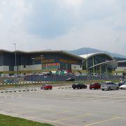 アマンジャヤ バスターミナル(Terminal Amanjaya)はゴペンに代わる新しいターミナルです。
