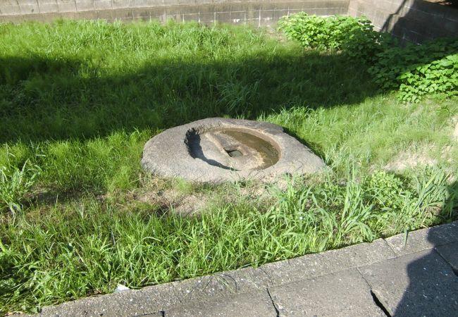 古代寺院の塔礎石跡です