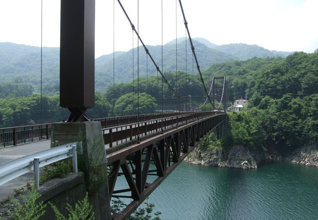 橋からの眺めが良いです
