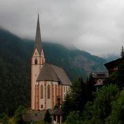 小さな村に建つ美しい教会