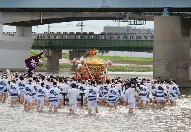 住吉祭の神輿渡御