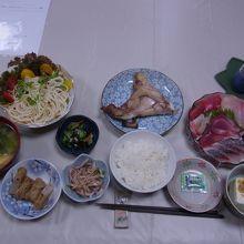 初日の夕食(1人分)