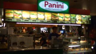 カフェ パニーニ