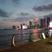 ヨットハーバーもあって、夜景が綺麗