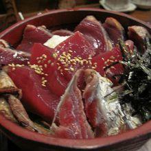 絶品 特上カツオ丼(¥1,000)