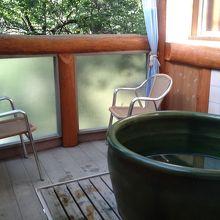 露天風呂。ほかに広い貸し切り露天風呂もありました。