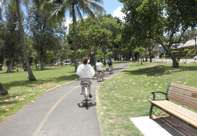自転車専用レーンがあります