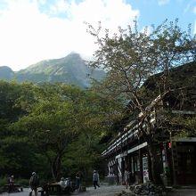 明神岳が見えます