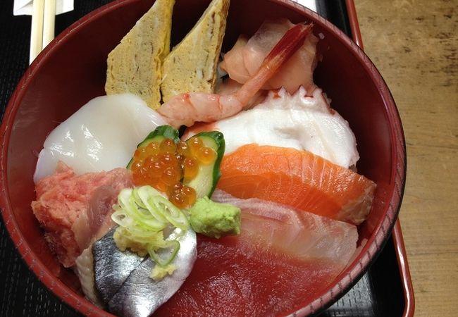 新鮮な魚類を購入して、海鮮料理を堪能!!