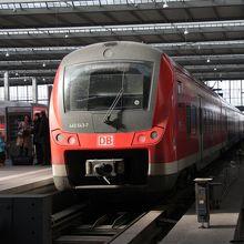 ミュンヘン中央駅のドイツ国鉄DBの列車