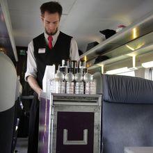 TGV1等車の車内サービス