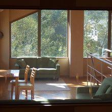 食堂のロフト休憩室