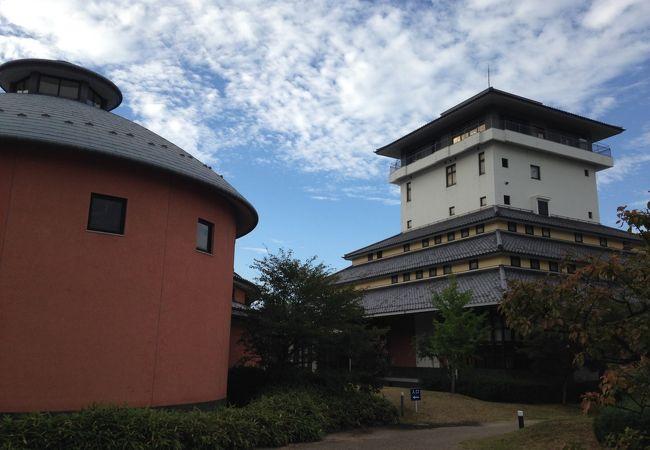 お城のような建物です!!