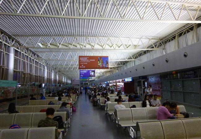 黄山屯渓国際空港 (TXN)