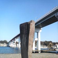 バックの大橋と組み合わせてなかなかの写真撮影ポイントです。