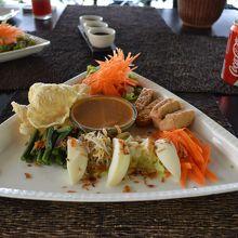 セットランチ、インドネシア料理