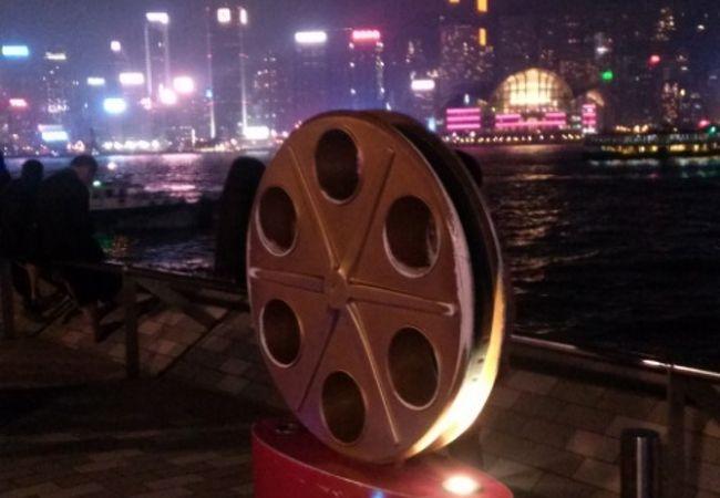 香港スターの手形があります。