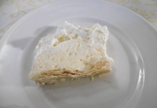 ブレッド名物クリームケーキが絶品