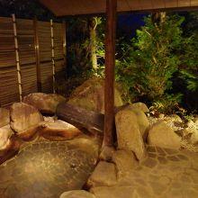 客室専用の露天風呂です。