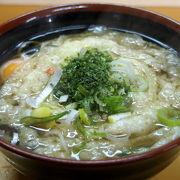 独特な「ぐるぐる天ぷら」は必食。お薦めはスペシャルそば