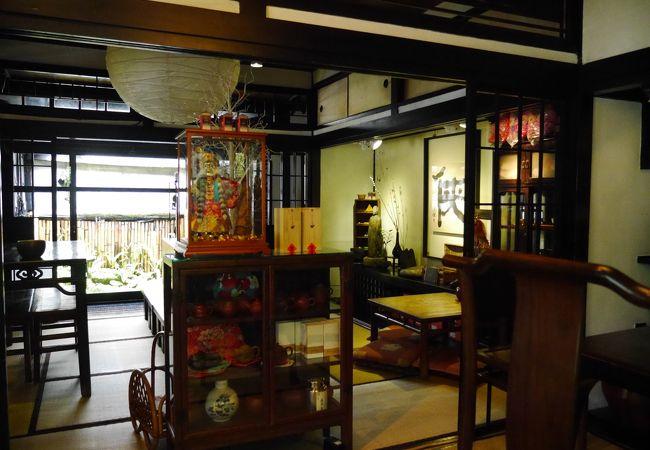 古民家を改築した茶芸館