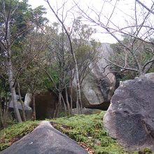 唐人岩です。