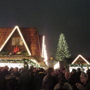 クリスマスマーケットが始まっています