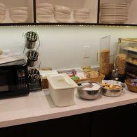 朝食会場のドリンクコーナー