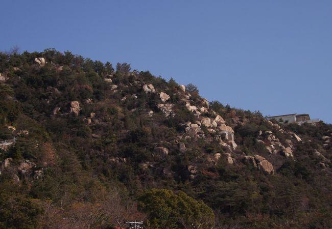 鷲羽山を下から撮影