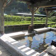 山の中腹にあり、眺めが綺麗な癒しの温泉