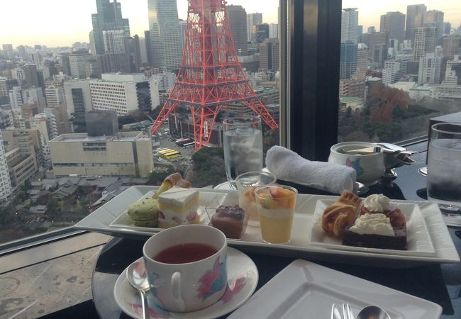 東京タワーを眺めながら