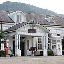 萩駅舎です。