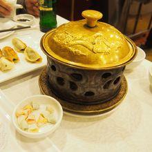 則天武后も食べたこの真珠餃子はスープが絶品。謂れも面白いです