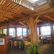 タートルベイリゾートのビーチの真ん前。フレッシュサラダが嬉しい!