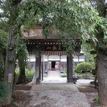 法善寺の山門です。