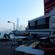 上環駅、エアポートエクスプレス香港駅直結。マカオ行のフェリーも出る商業施設