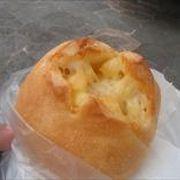 おすすめは、このチーズパンですね。