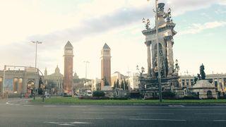 バルセロナ市内から空港までの移動に便利!