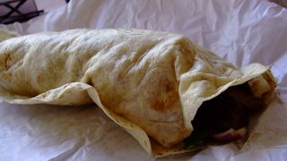 カンガルー肉のラップサンドイッチをお試しあれ。