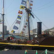 帆船を近くで見れます