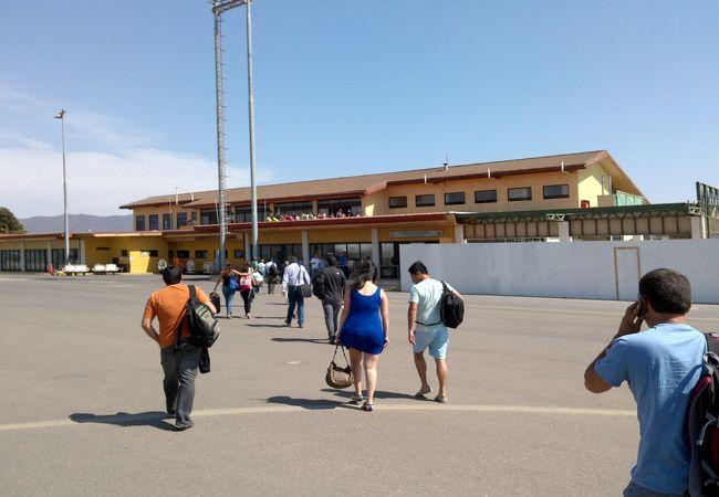 ラセレナ空港 (LSC)