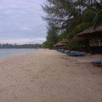 長く続くプライベートビーチ