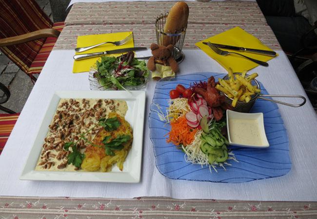 大聖堂近くのスイス料理レストラン