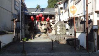 古い神社です