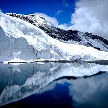 パストルリ氷河の側面