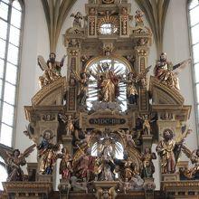 開閉式でない主祭壇
