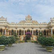 独特の雰囲気を持つ寺院
