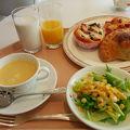 ホテルで気兼ねなく朝食を!