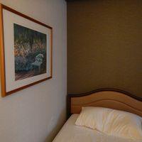 ビジネスホテルとしては十分なベッド
