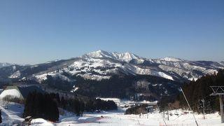 春のスキー場 今年は雪が多い
